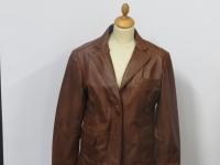 Ladies 2 button cropped blazer